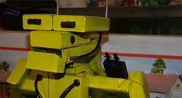 Робот из пачек. Фото 5