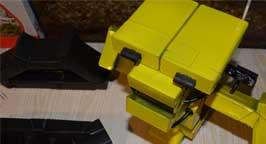 Робот из пачек. Фото 9